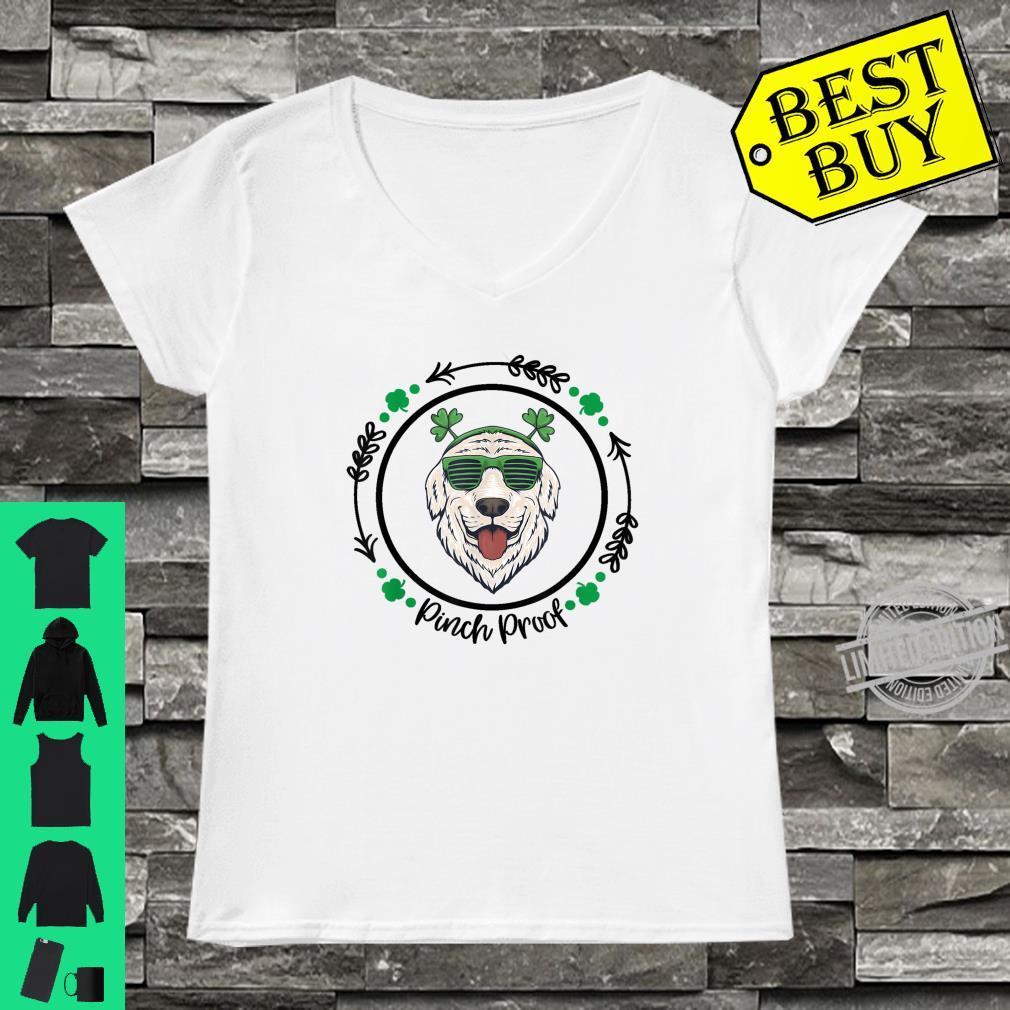 Golden Retriever Irish Creme Shamrock Dog St. Patricks Day Shirt ladies tee